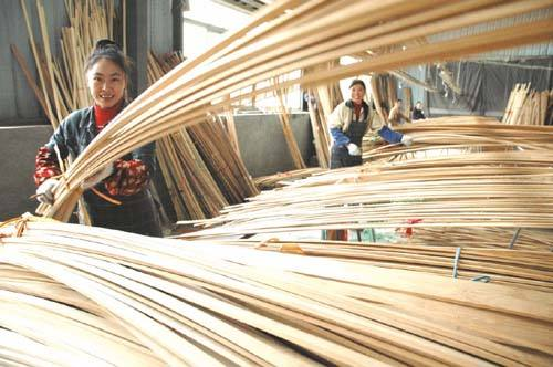 Bamboo products processing creative way